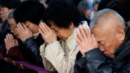 protecting-church-building-demolition-wife-chinese-pastor-buried-alive-workers-2