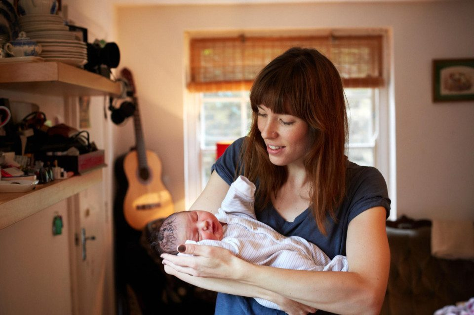 Mothers-with-their-one-day-old-babies-15