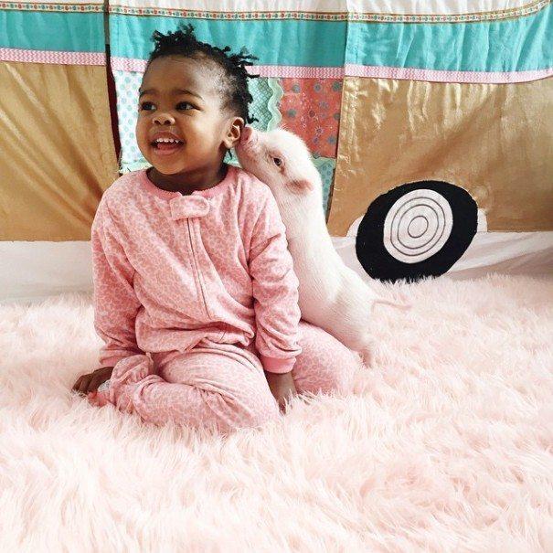Unusual-pet-2-year-old-girl-has-2