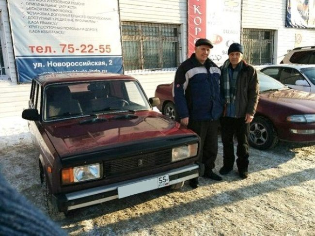 Residents-of-one-of-the-russian-cities-joined-forces-to-help-73-year-old-retired-man-2