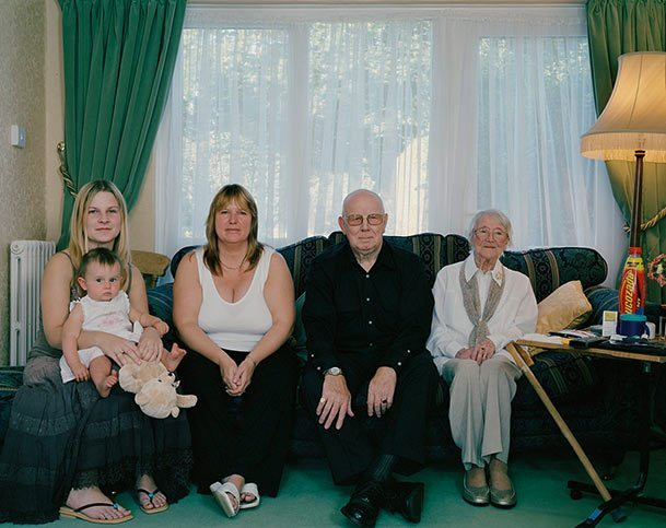 pictures-of-several-generations-of-one-family-11