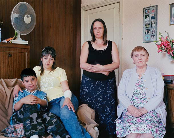 pictures-of-several-generations-of-one-family-12
