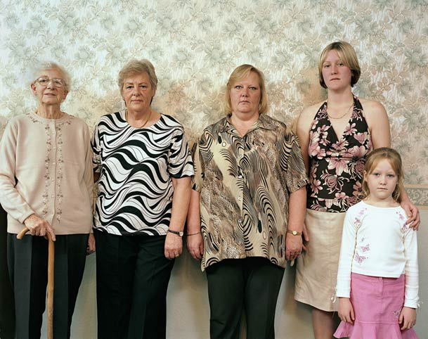 pictures-of-several-generations-of-one-family-2