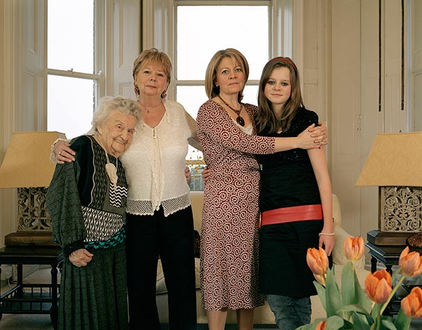 pictures-of-several-generations-of-one-family-3
