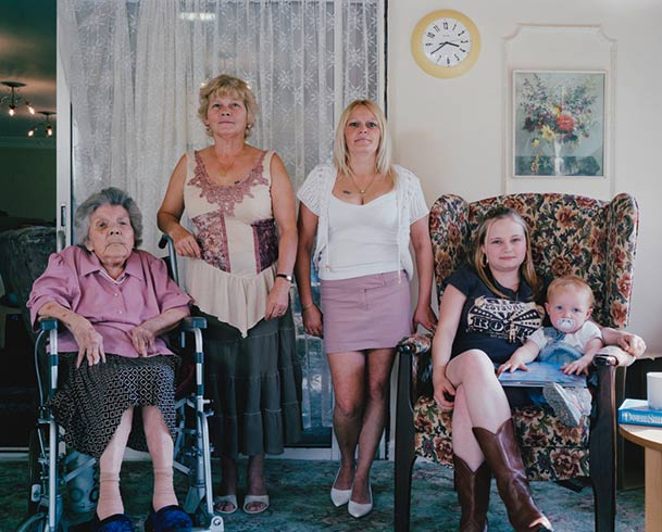 pictures-of-several-generations-of-one-family-5