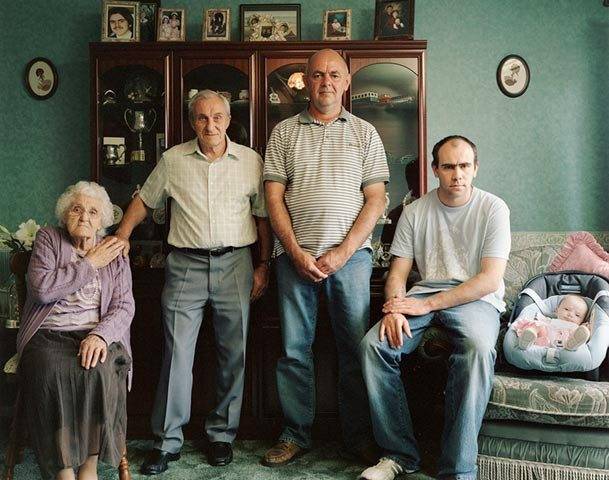 pictures-of-several-generations-of-one-family-6