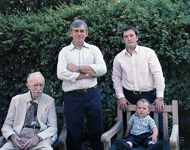pictures-of-several-generations-of-one-family-9
