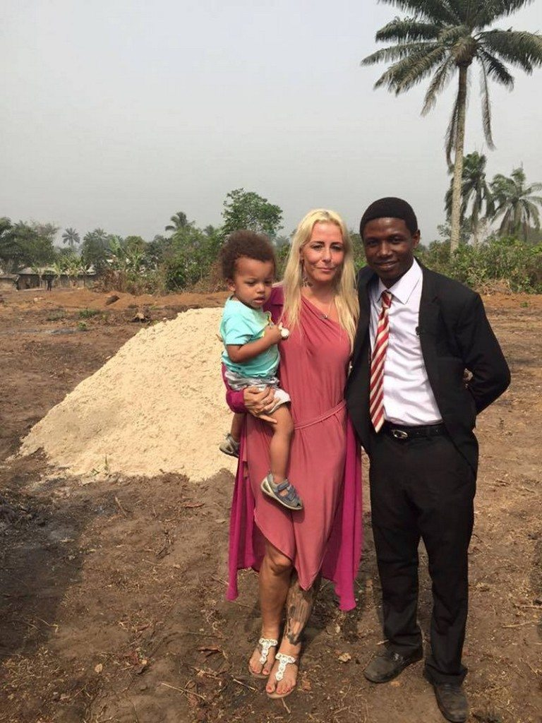 family-2-year-old-boy-left-die-street-1