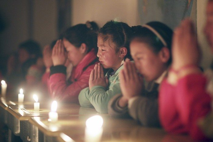 china-300-thousand-orphans-found-new-parents-example-christian-families-2