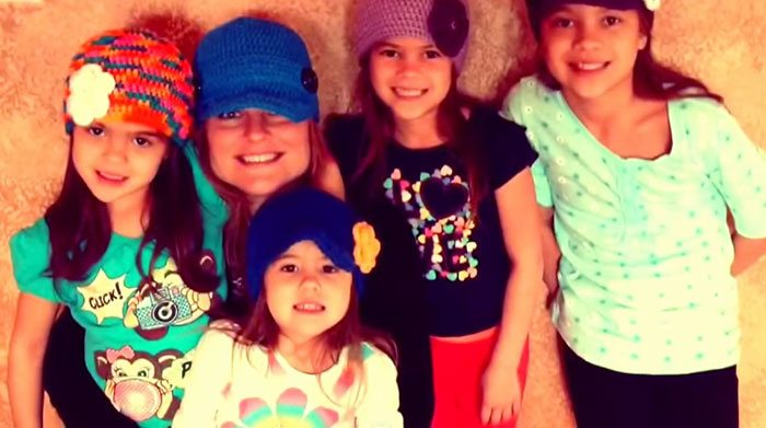 american-woman-adopted-four-daughters-best-friend-died-brain-cancer-4
