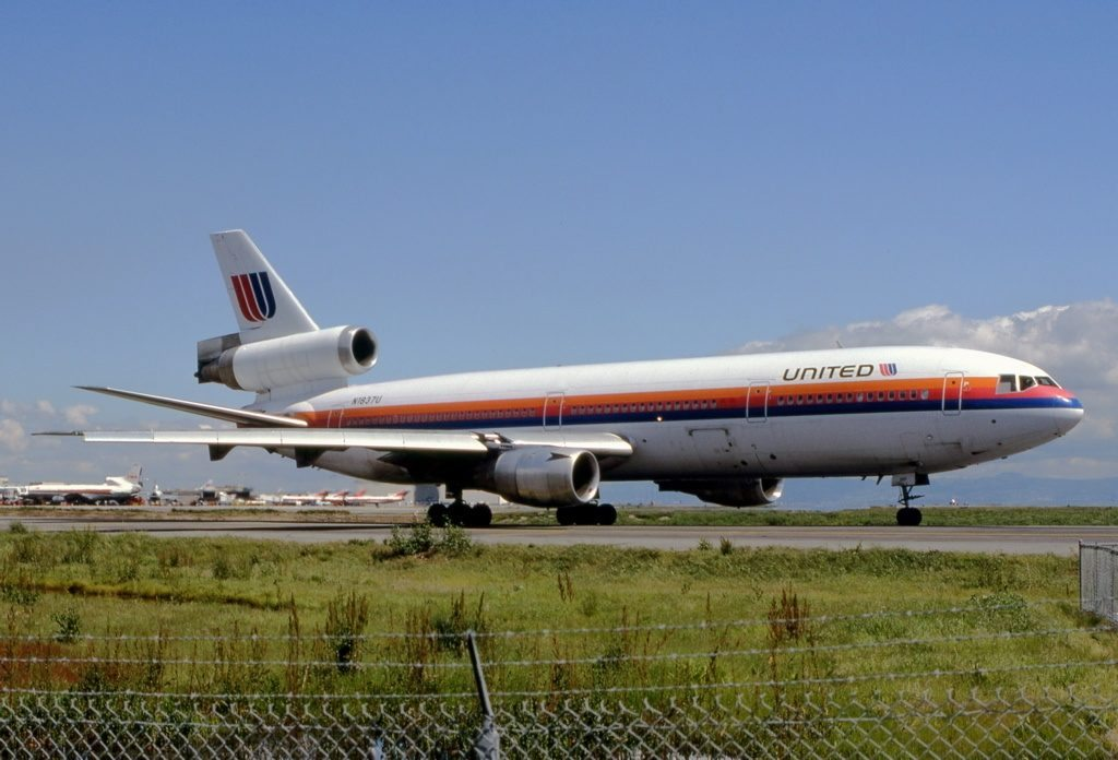 woman-praying-time-airplane-crash-lord-saved-life-lives-passengers