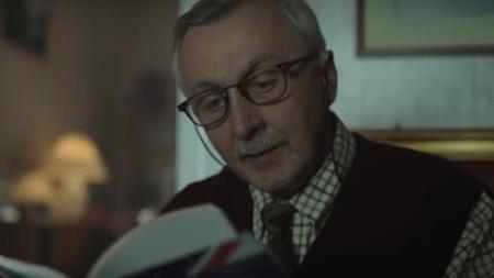 touching-christmas-video-grandfather-studying-english-won-users-internet