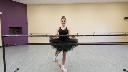 girl-lost-leg-cancer-not-say-goodbye-dream-becoming-ballerina-3