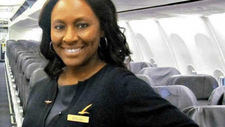 decisive-actions-flight-attendants-saved-life-teenage-girl-real-story-took-place-board-aircraft-6