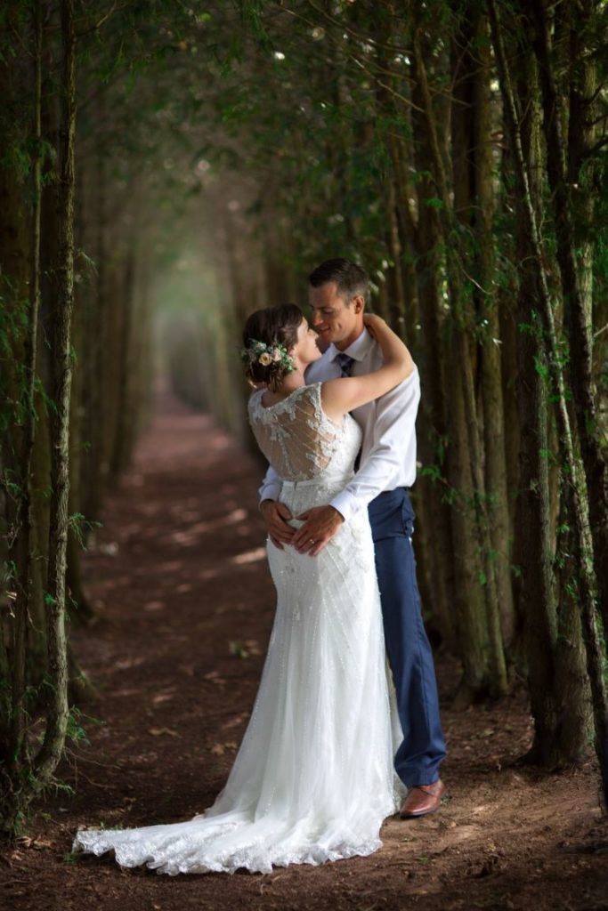 groom-carries-bride-altar-hands-story-love-knows-no-barriers-5
