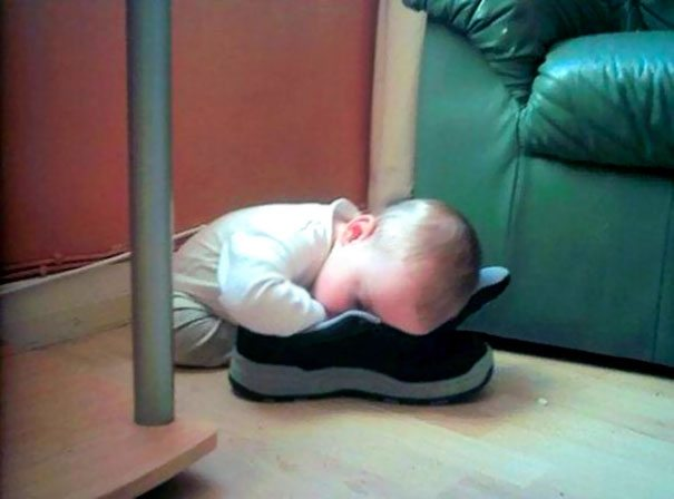 photos-proving-children-able-fall-asleep-unusual-places-6