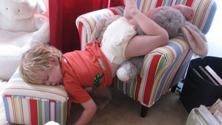 photos-proving-children-able-fall-asleep-unusual-places-8